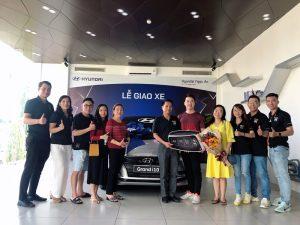 le-giao-xe-hyundai-grand-i10-sedan-hyundai-tphcm